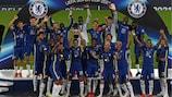 Il Chelsea festeggia il successo in Supercoppa UEFA a Belfast