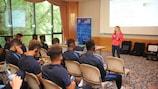 Depuis plusieurs années, l'UEFA organise des sessions de formation antidopage pour jeunes joueuses et joueurs dans le cadre de ses compétitions juniors.