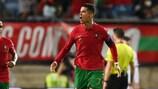 Cristiano Ronaldo fête son but du record avec le Portugal