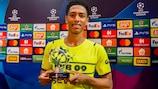 Jude Bellingham with his trophy after Dortmund's victory at Beşiktaş