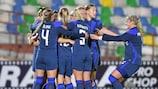Las finlandesas celebran uno de sus goles en la clasificación
